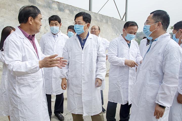 """张斌胜就贯彻执行""""一法一条例""""情况进行执法检查"""