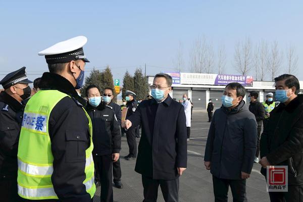 """""""胡晓刚在高平各交通卡点慰问调研"""