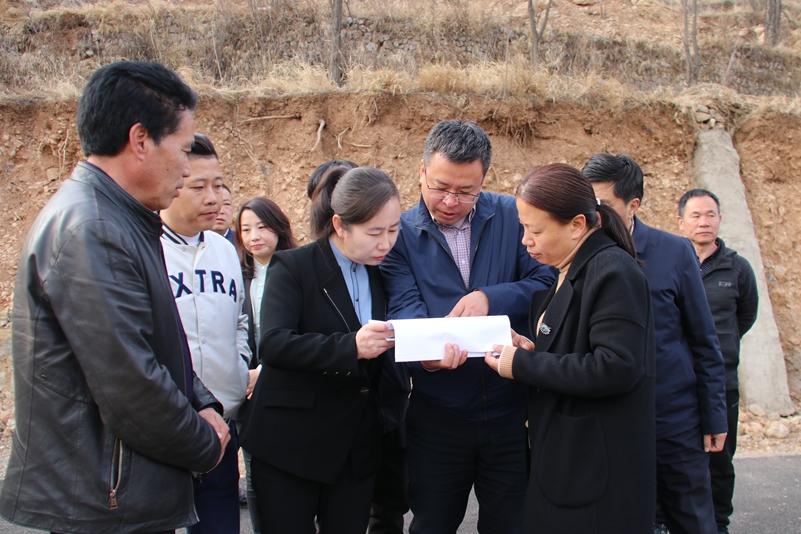 王丽调研重点康养特色村建设情况